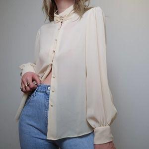 Vintage 80s cream romantic button down blouse 14